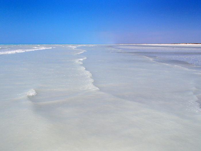 80 mile beach