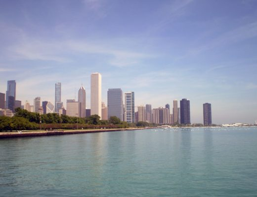 Lake-Michigan-Chicago-Skyline