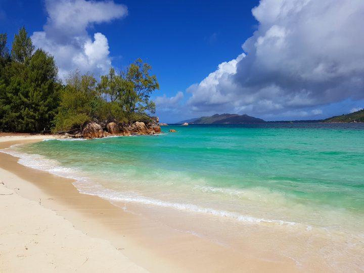 De mooiste stranden van Praslin Seychellen